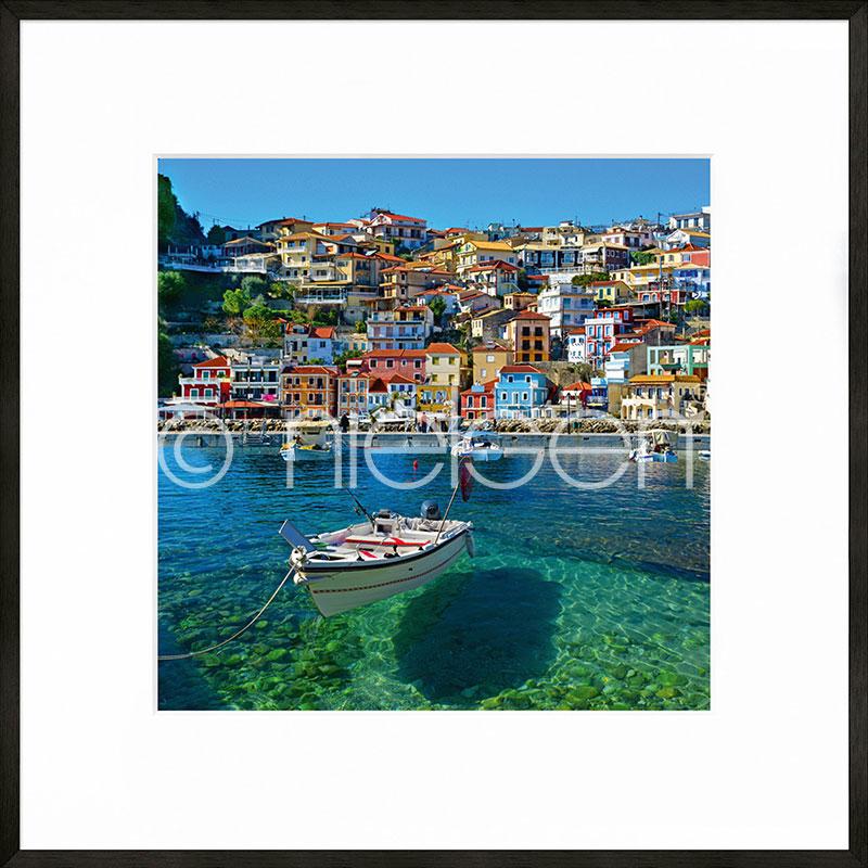 """Imagen con marco """"Parga Boat Greece"""" con marco de alumino C2"""